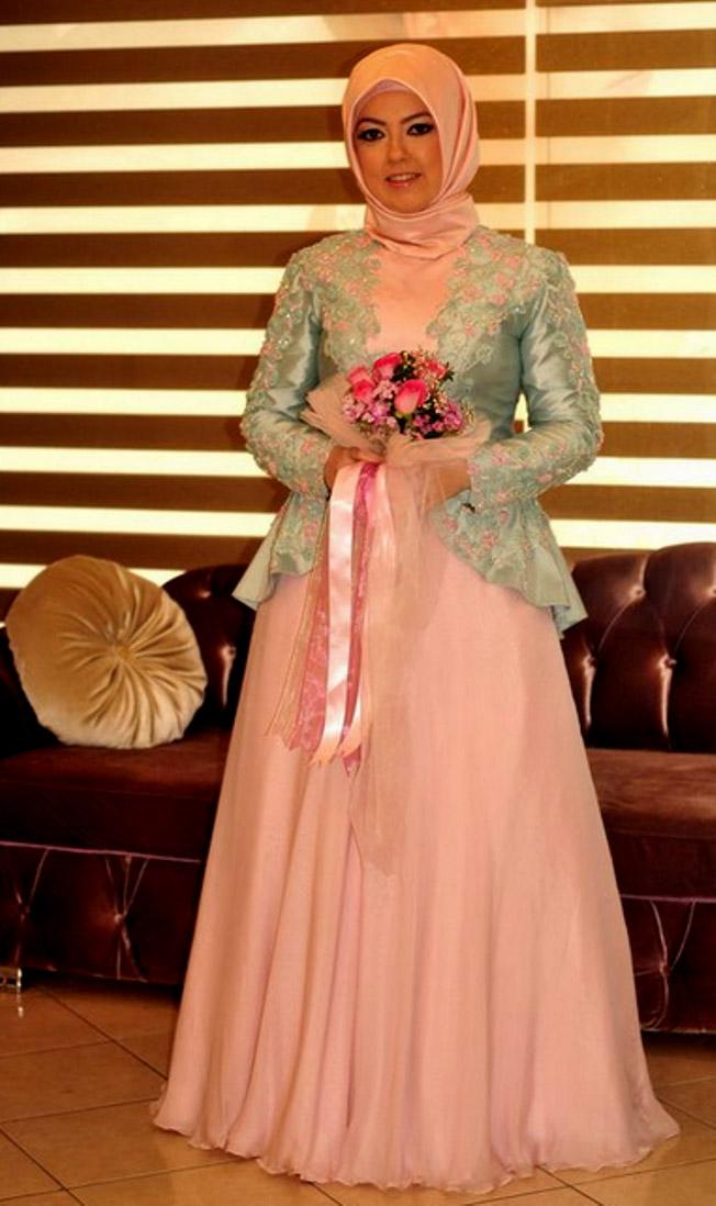 Model Kebaya Brokat Muslim Modern Yang Elegan